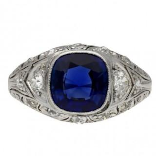 Art Deco sapphire and diamond cluster ring, circa 1920.
