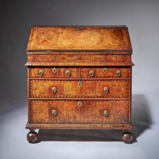 Huguenot 17th-Century Charles II William and Mary walnut two-piece bureau
