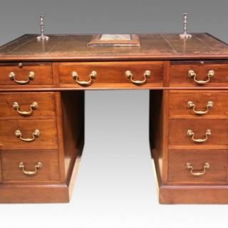 Small Victorian mahogany pedestal desk.