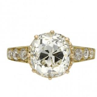 Old mine diamond solitaire ring, circa 1900.