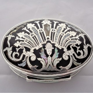 Superb inlaid Queen Anne silver tortoiseshell and mother of pearl box C1710